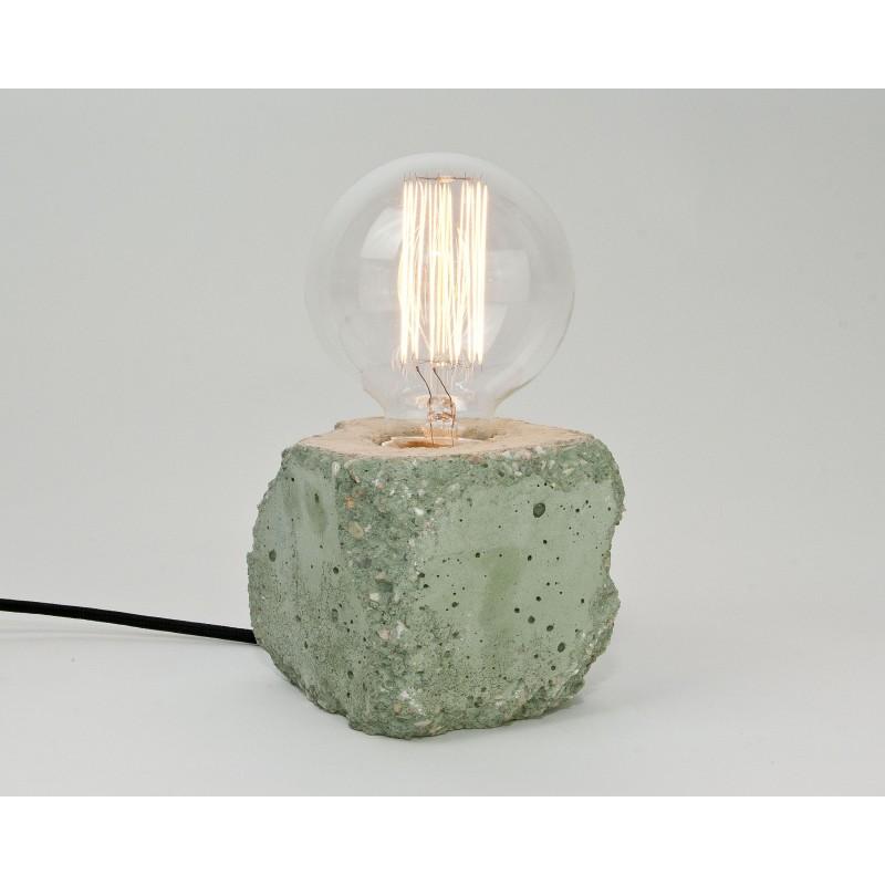 LJ LAMPS alpha demolished grün - Tischleuchte aus Beton mit Textilkabel