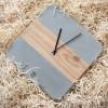 Stilbeton - ZEITSPRUNG | Betonuhr mit Eichenholz | Stand- und Wanduhr