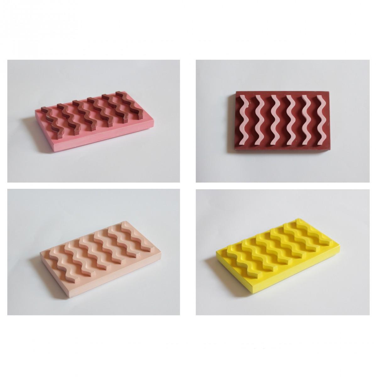 Seifenablage aus Porzellangips / Rot-rosa / objet vague