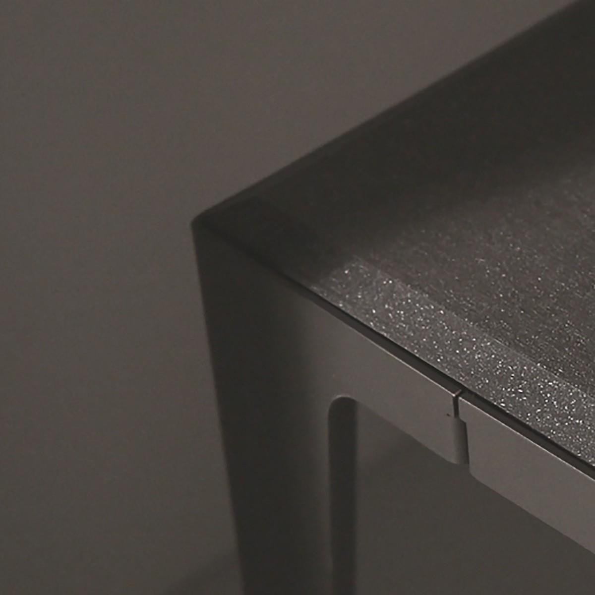 HOCKER CHAMFER schiefer-schwarz | nachhaltiges Möbeldesign | WYE