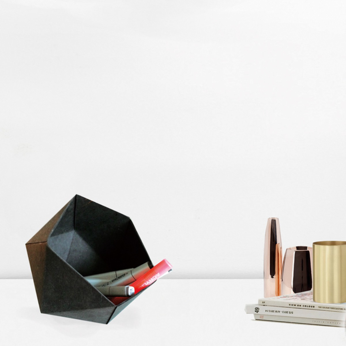 KAMI. geometric box black