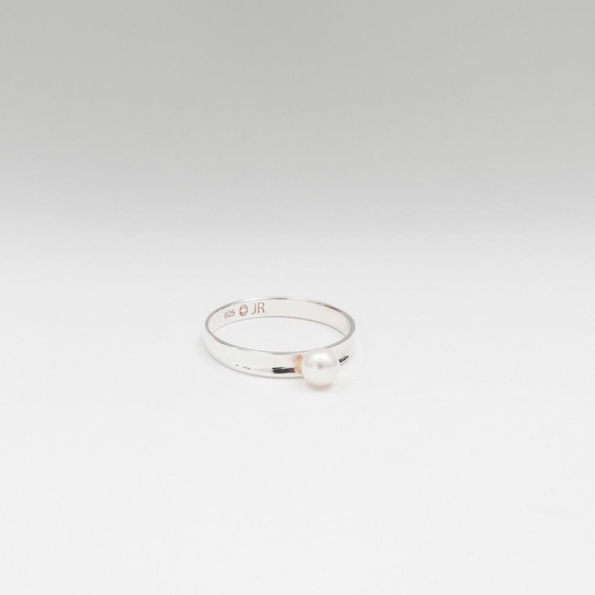 Jonathan Radetz Jewellery, Ring AKOYA, Gold 375, Japanische Akoya Perle