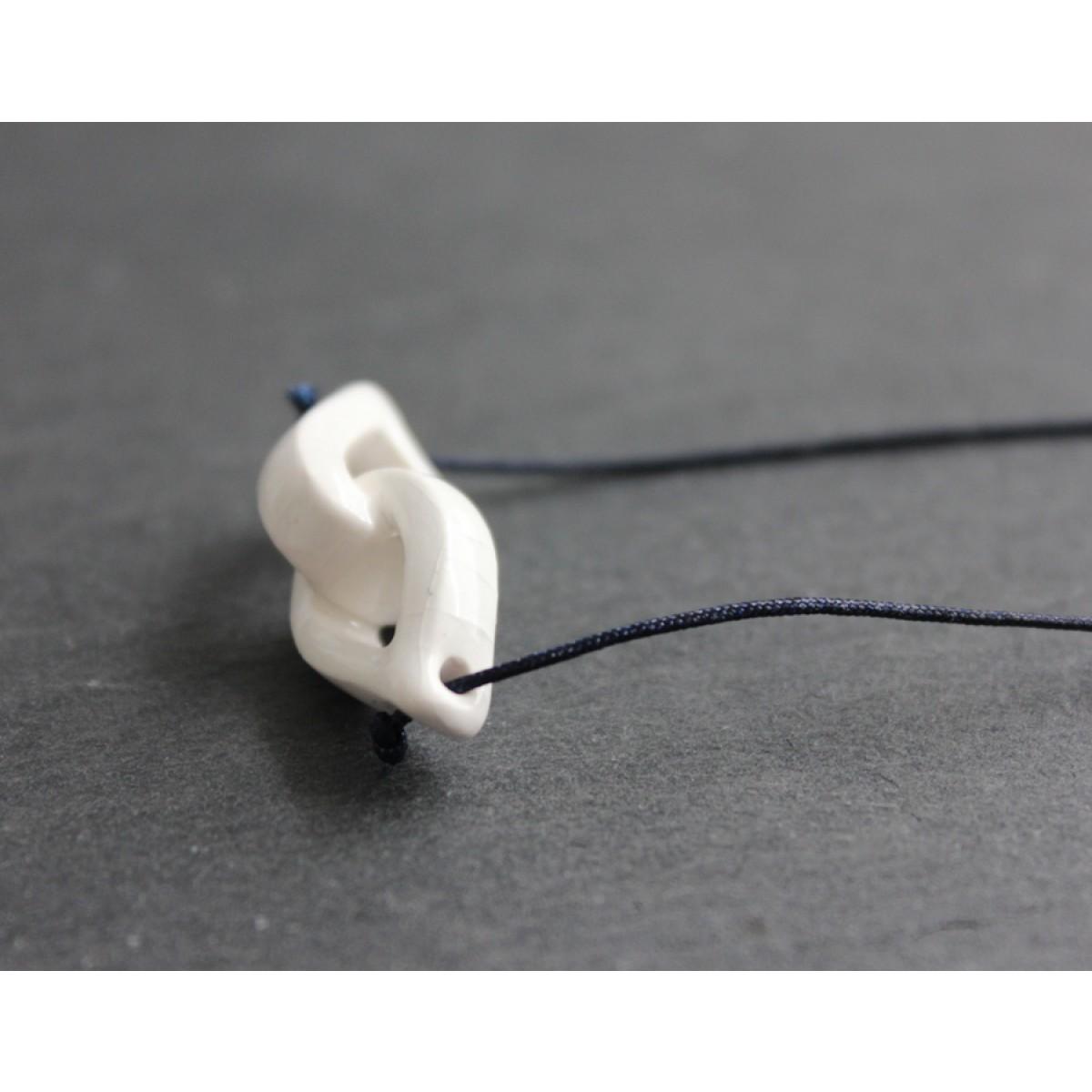 Skelini - Handgemachter weißer Porzellananhänger