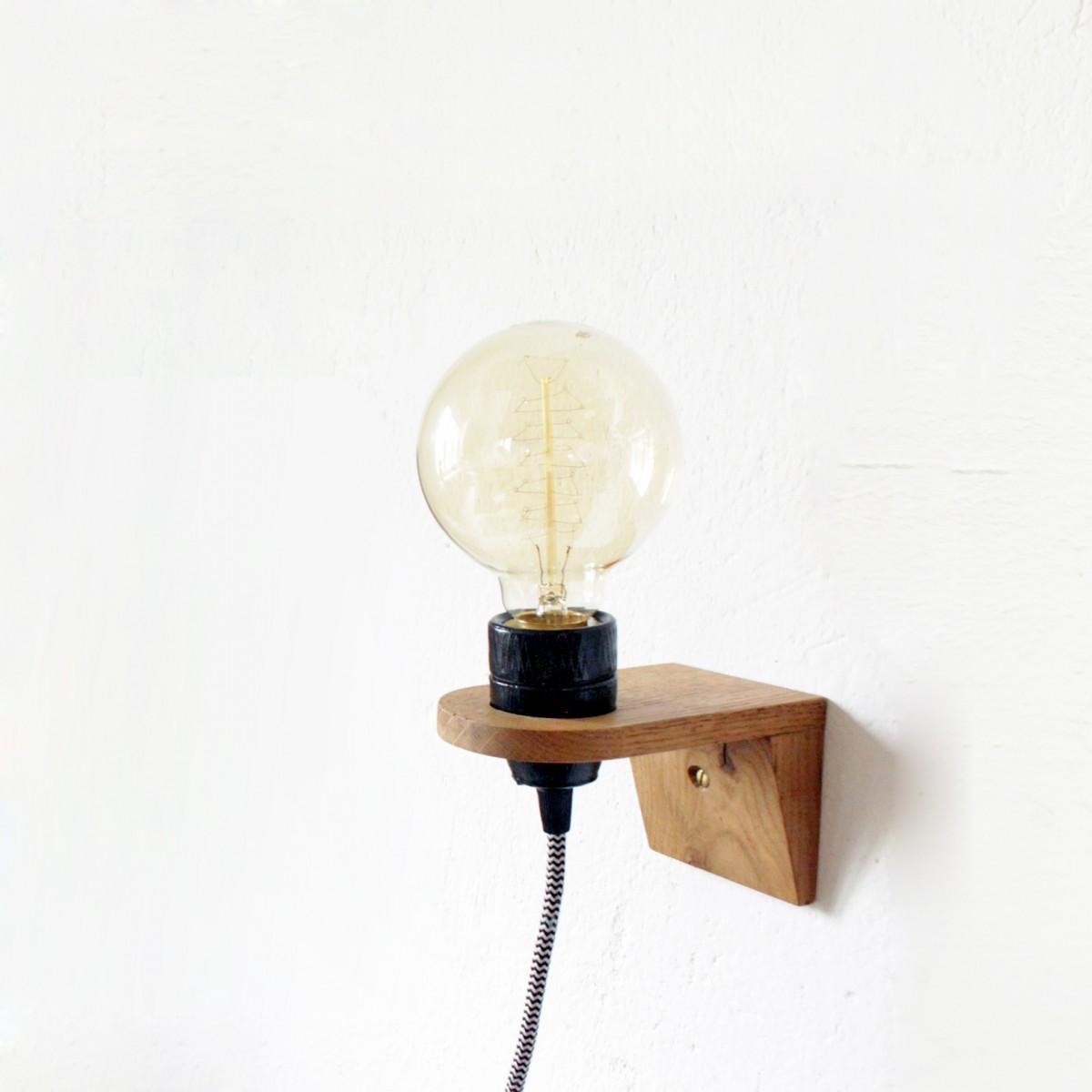 WANDLAMPE VLO / Schwarz Porzellan Fassung &  Wandhalterung aus Eiche