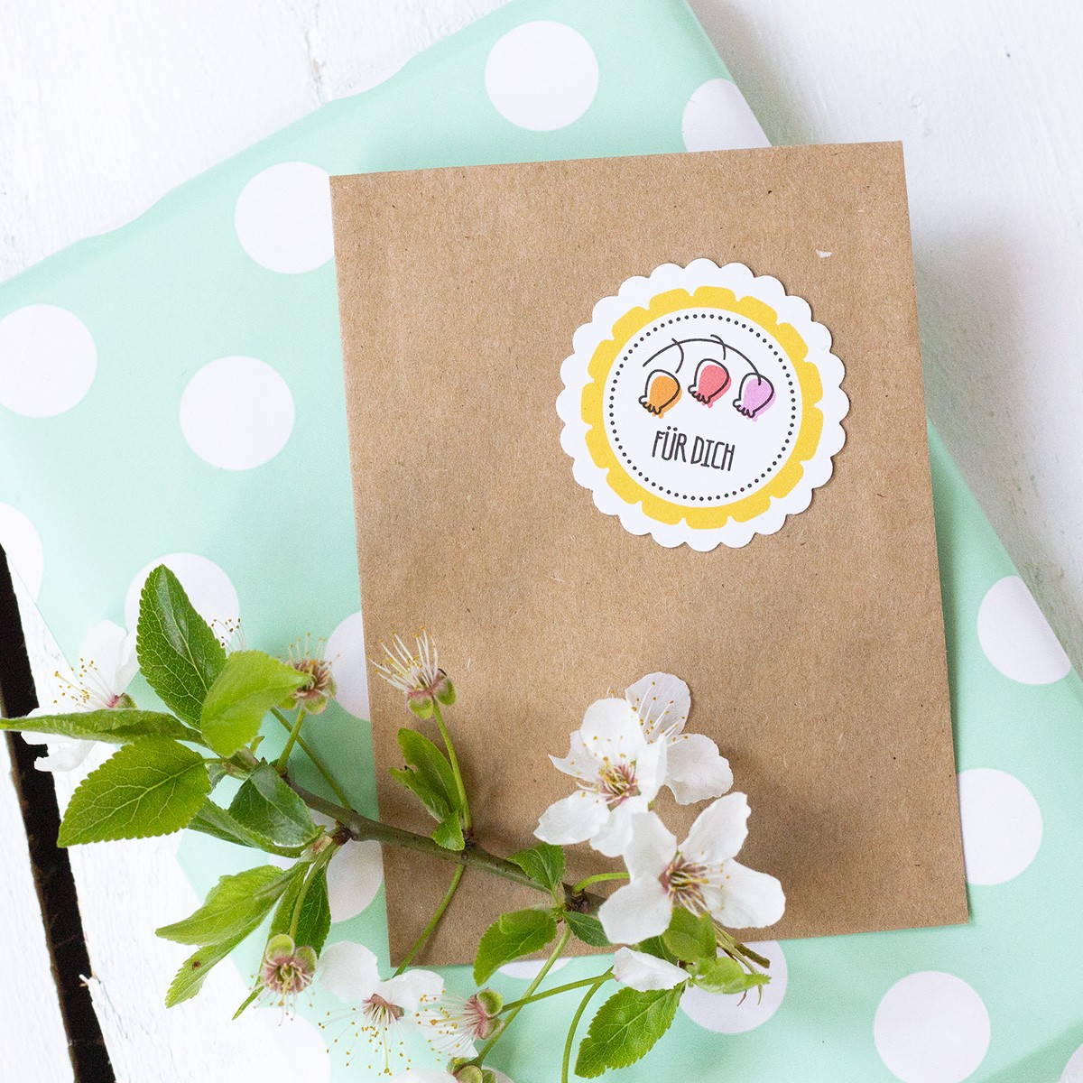 Kleine Papeterie // Ostern // Geschenkanhänger