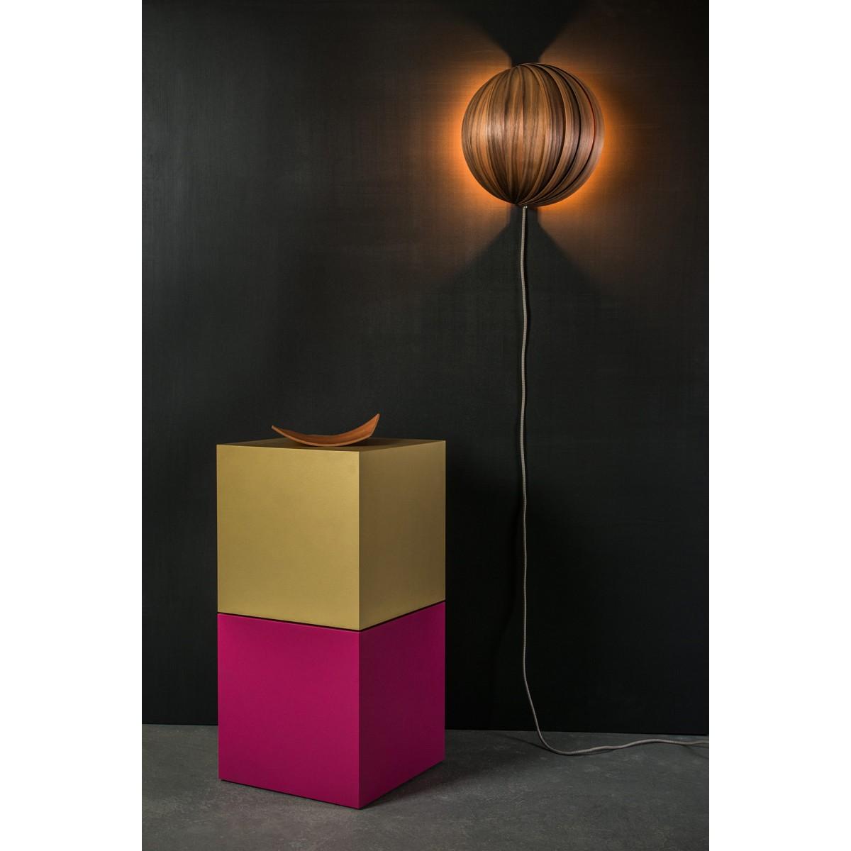 LAMPA FAN, Wandleuchte mit Furnierlamellen