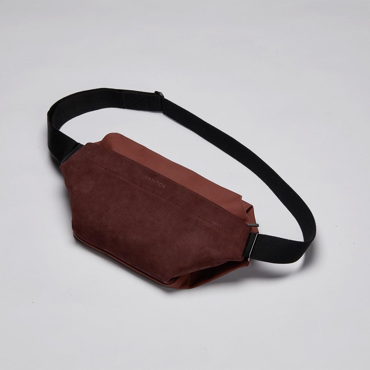 VANOOK - Sling Bag Large Berry