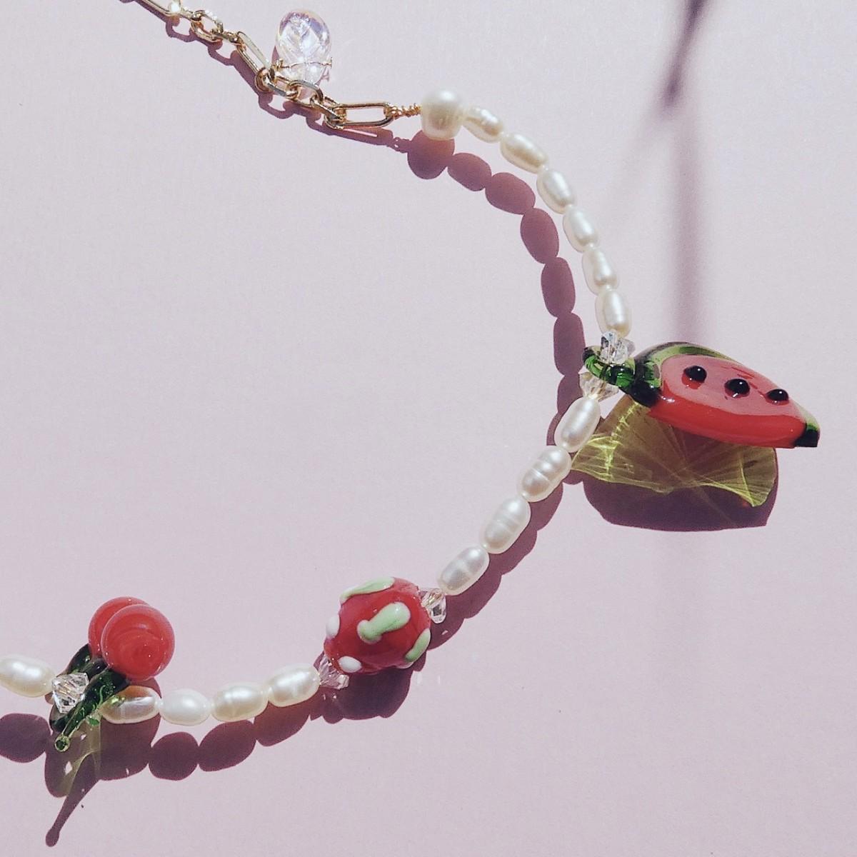 Valerie Chic - HAPPY RED FRUITS Perlen Kette - 18 Karat vergoldet, 1 Kette 2 Stile