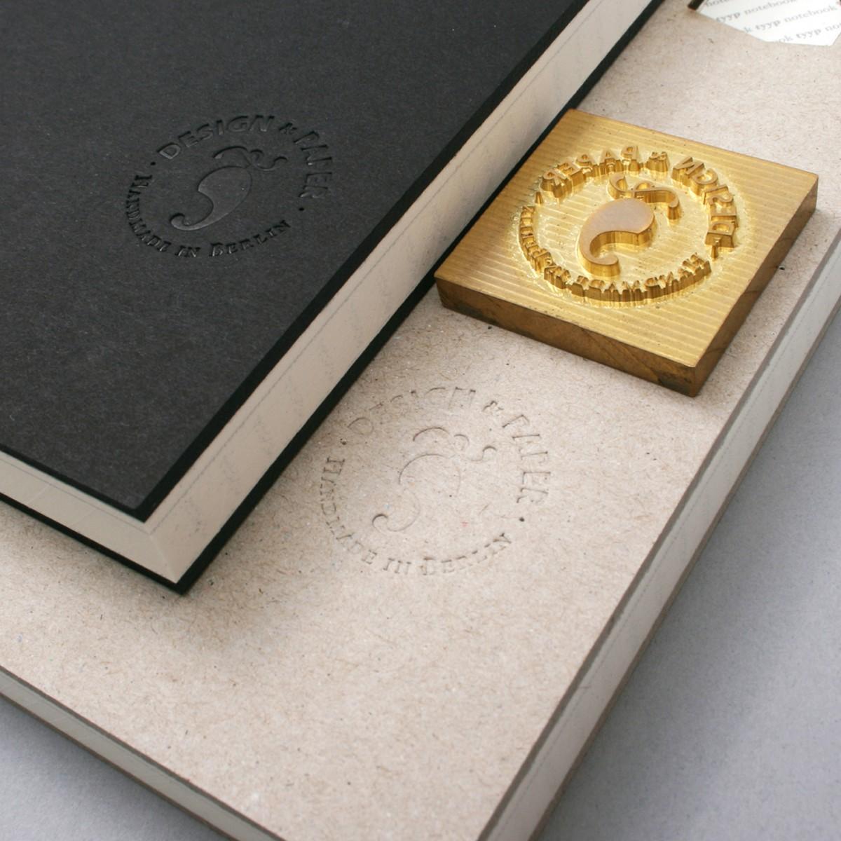 tyyp Notizbuch M (Schwarz)