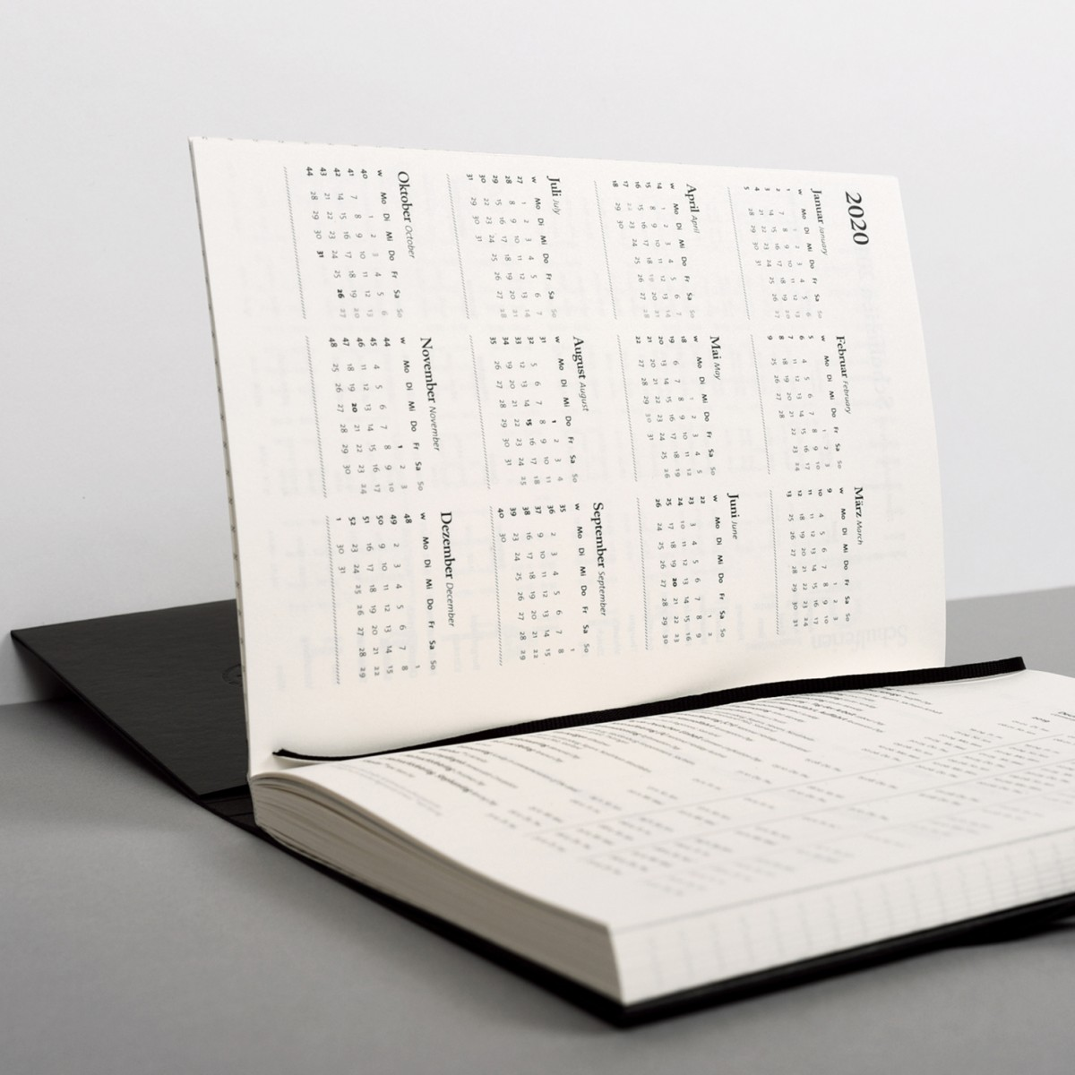 tyyp Kalender 2020 - Schweizer Broschur, Schwarz, Handmade