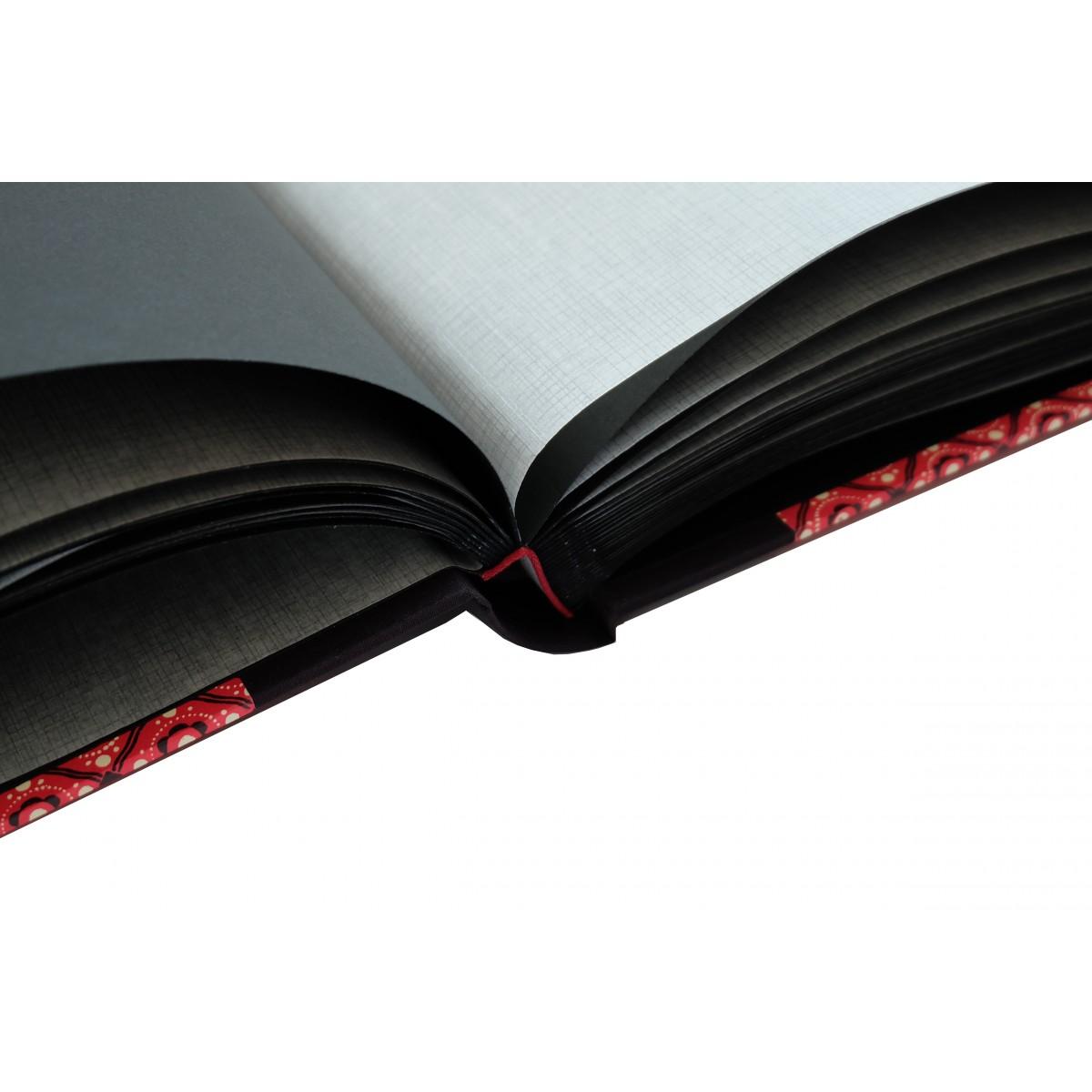 großes Fotoalbum schwarz rot