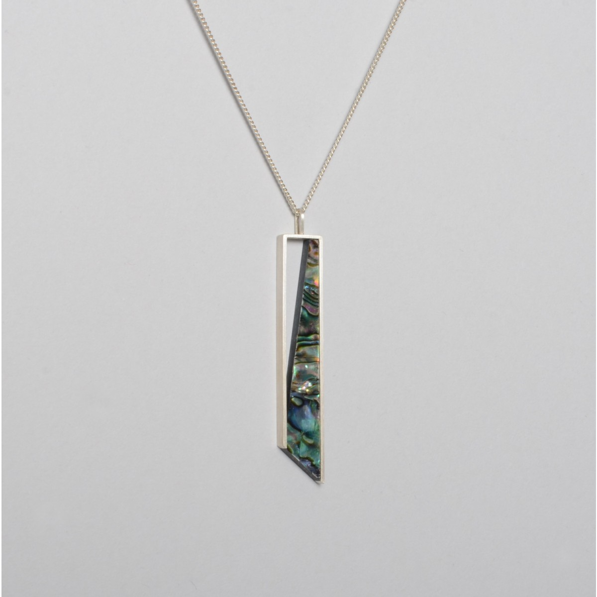"""Teresa Gruber Anhänger """"Mother of pearl- three"""""""