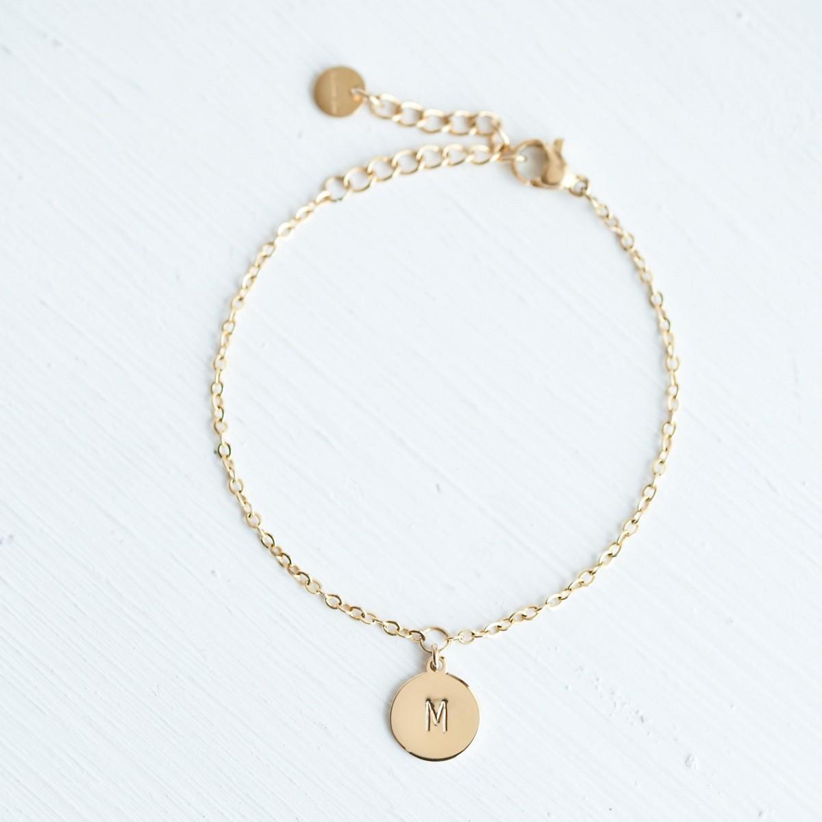 Handgeprägte Armkette »Letter« vergoldet mit Buchstabe inkl. Box
