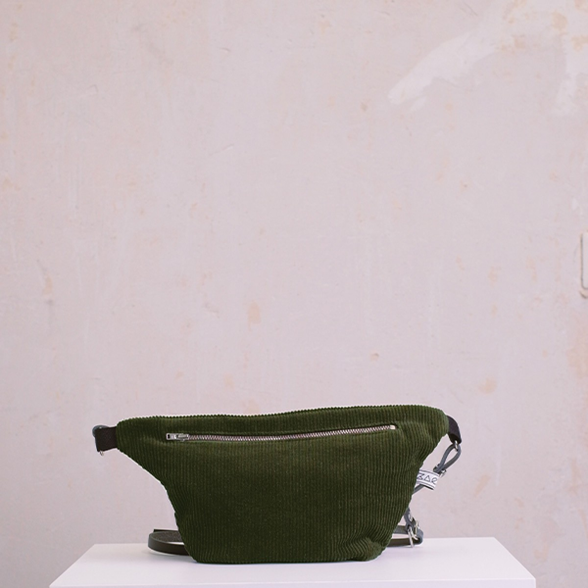 ZACAMO – Bauchtasche •Cord• flaschengrün