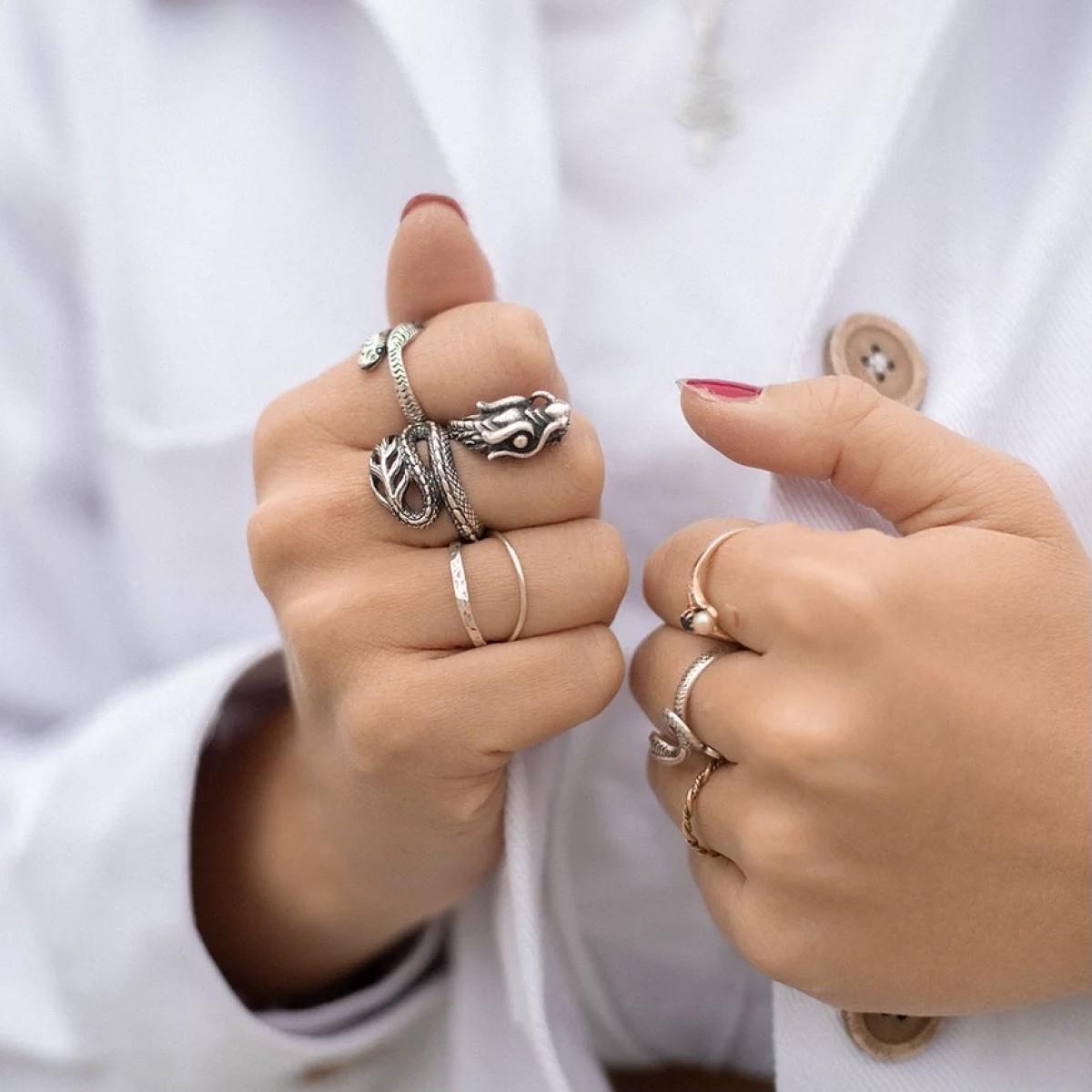 Fünf Dragon Ring Naga