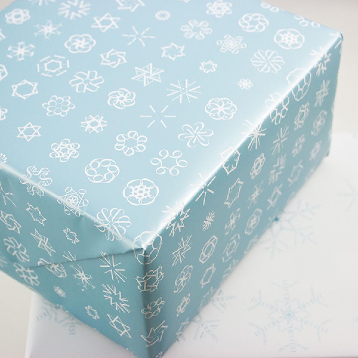 Schneeflocken Geschenkpapier-Set mit Satinband