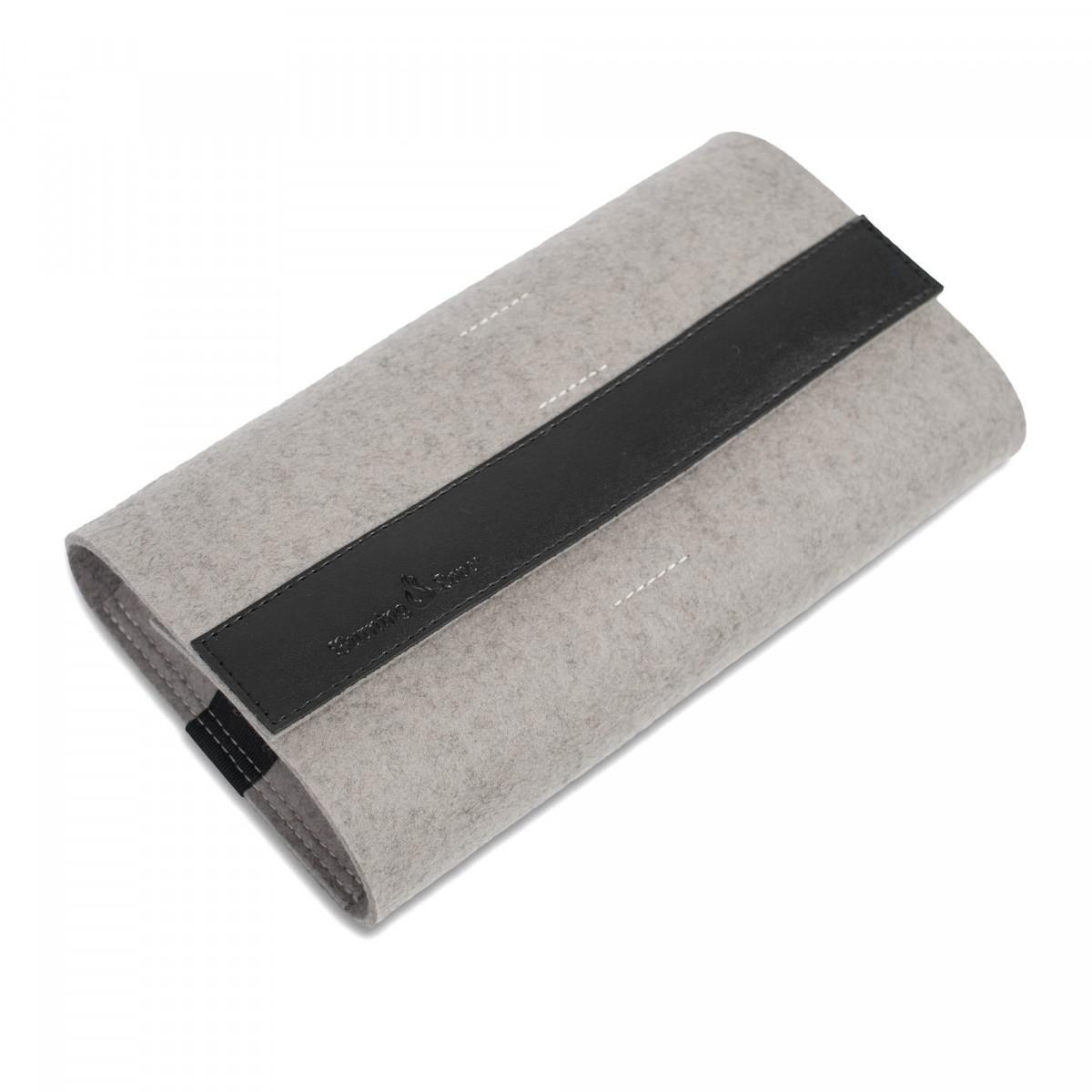 Buff Accessory Bag Kabeltasche / Filz (pebble) und Leder (schwarz)