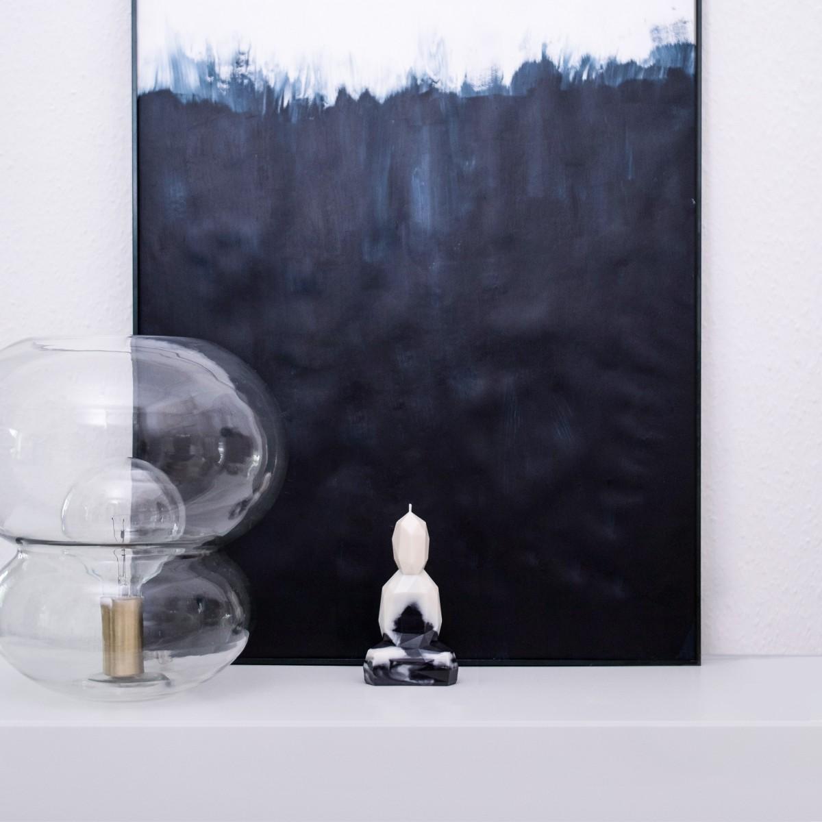 Burning Buddha - Designkerze - Schwarzweiß