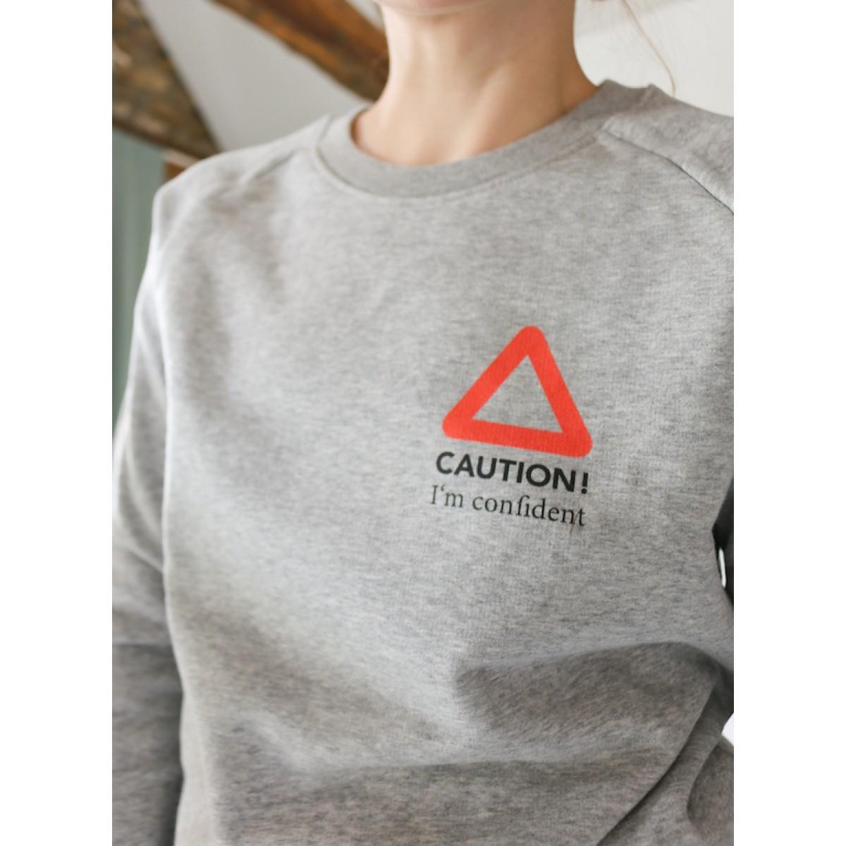 """stahlpink – """"CAUTION - I'm confident"""" - nachhaltiger Sweater in grau-meliert"""