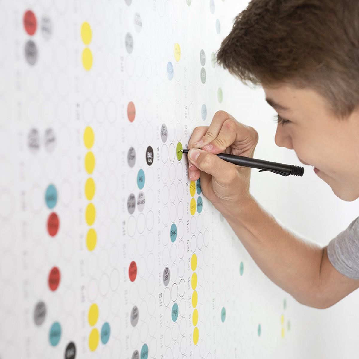 dot on high / Jahresplaner 2019 – mit über 700 Klebepunkten in 12 Farben