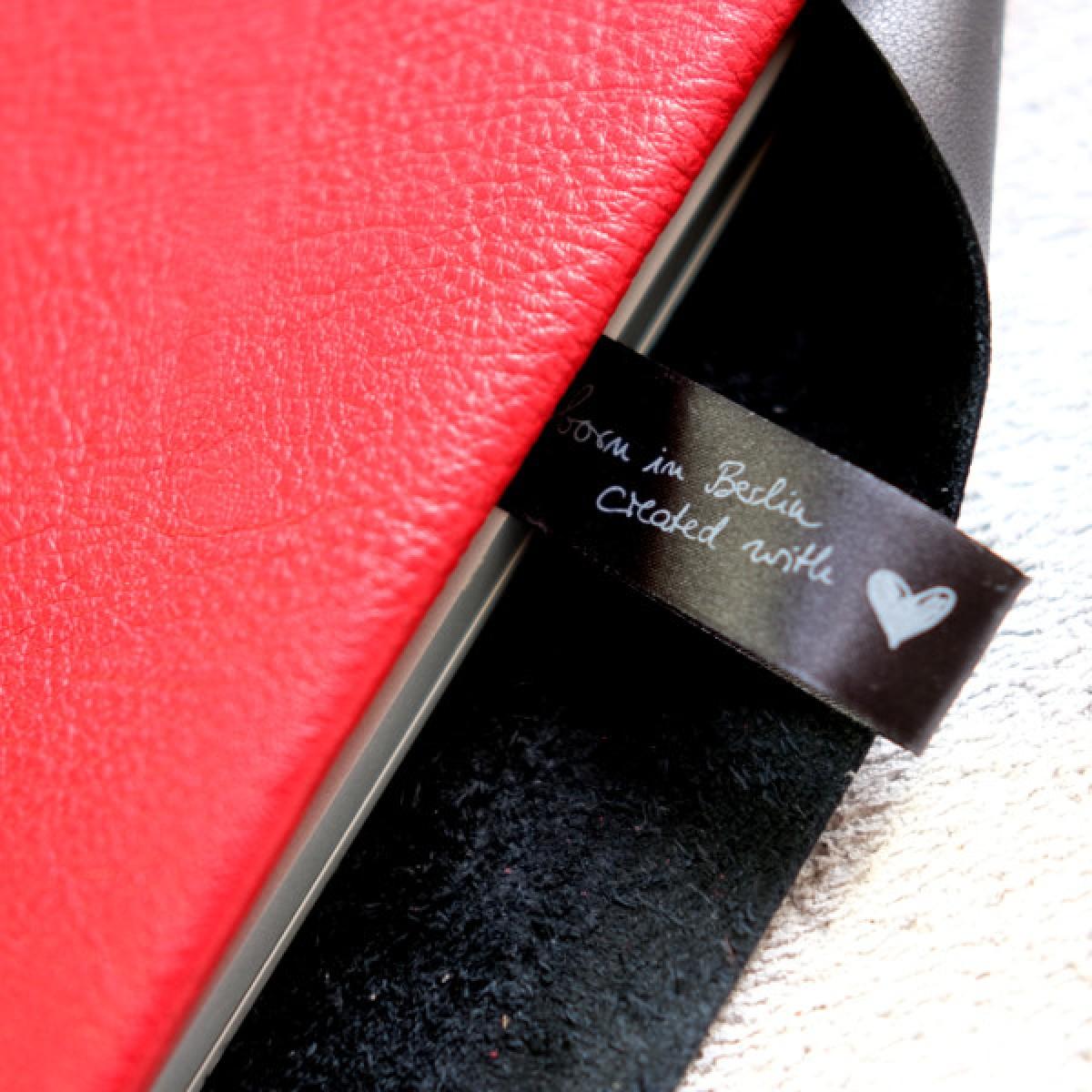 MacBook Sleeve aus rotem Leder