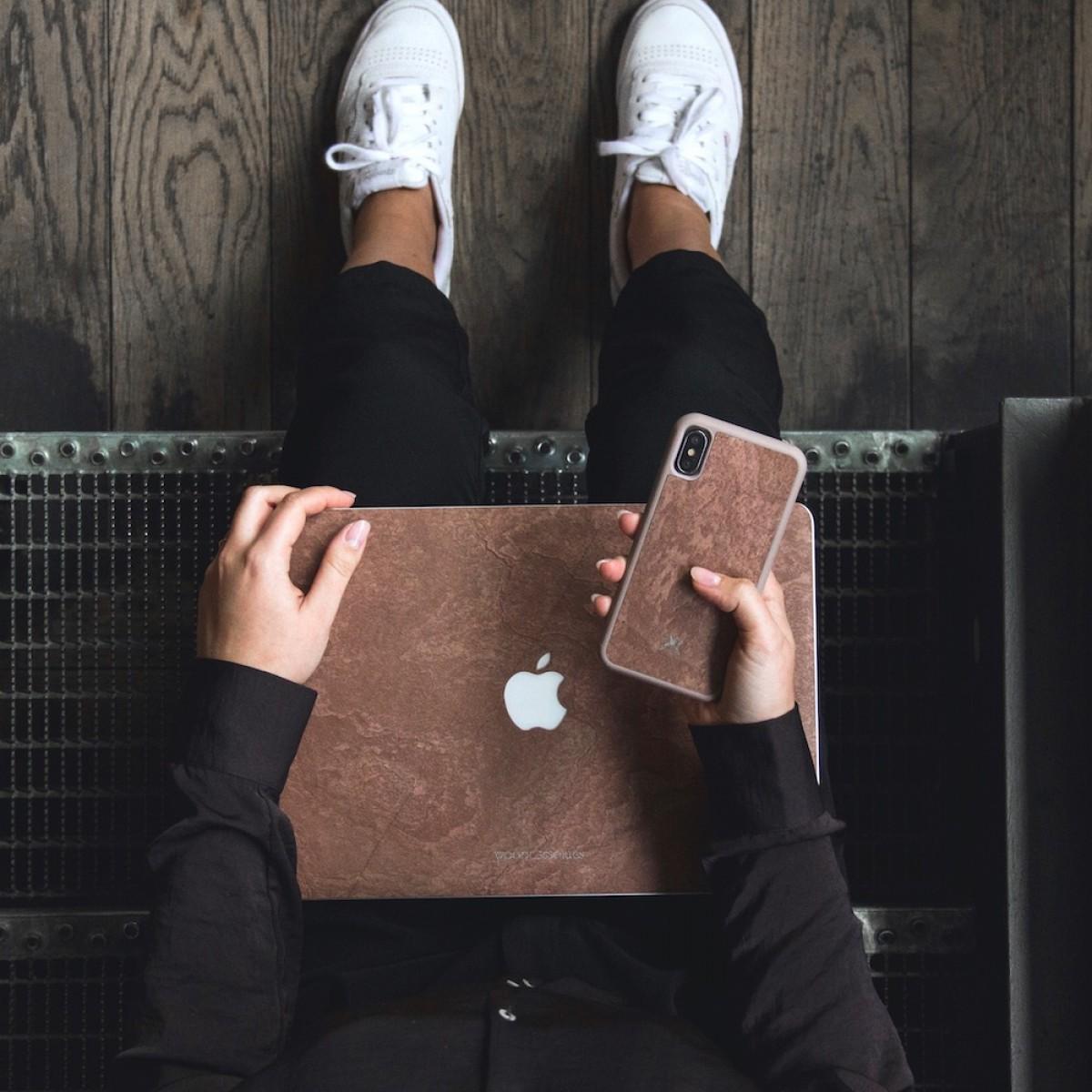 """Woodcessories - EcoSkin Stone - Design Apple Macbook Cover, Skin, Schutz für das Macbook aus hochwertigem Stein (Macbook 13"""" Pro Retina (until 2016), Volcano Schwarz, Camo Grau, Antik Weiß, Canyon Rot)"""