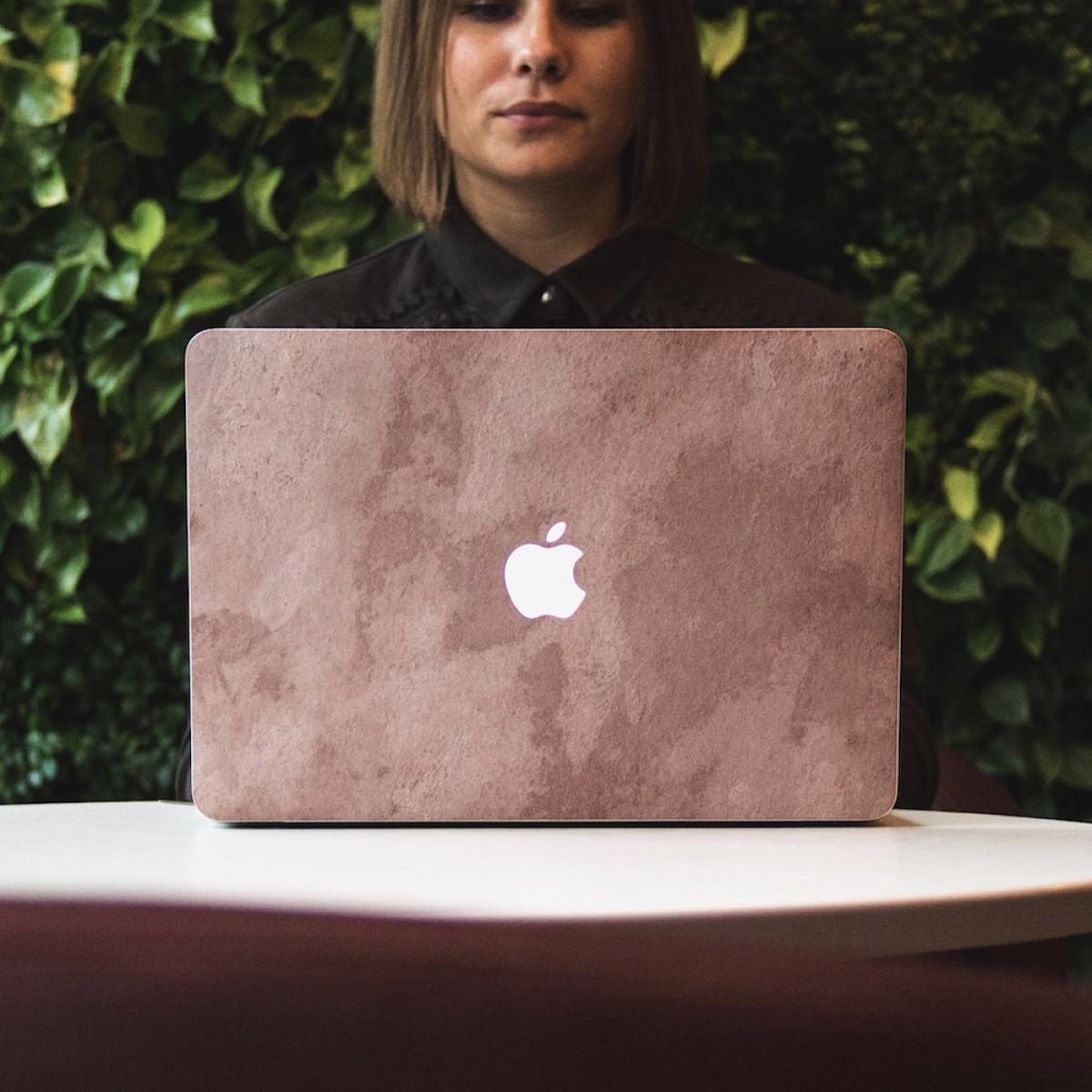 """Woodcessories - EcoSkin Stone - Design Apple Macbook Cover, Skin, Schutz für das Macbook aus hochwertigem Stein (Macbook Air (2018) / 13"""" Pro / Pro Touchbar (from 2016), Volcano Schwarz, Camo Grau, Antik Weiß, Canyon Rot)"""