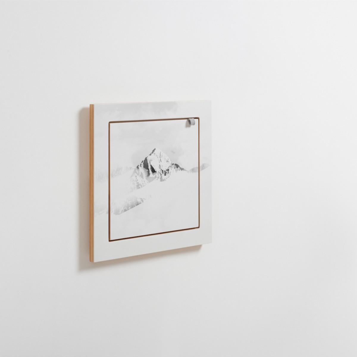 AMBIVALENZ Fläpps Regal 40x40-1 – Vallunaraju by Joe Mania