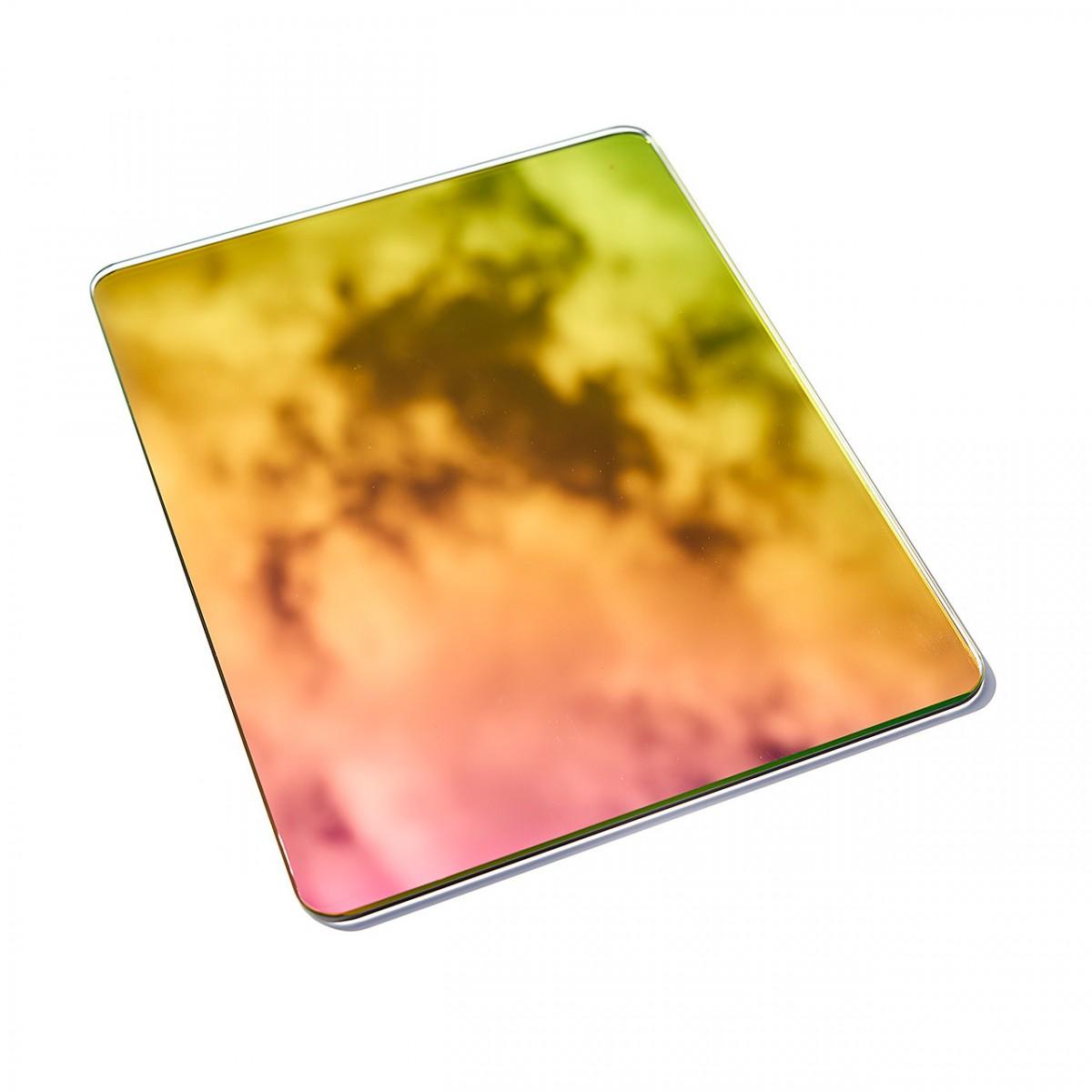 FÚ_DAWN color gradient mirror