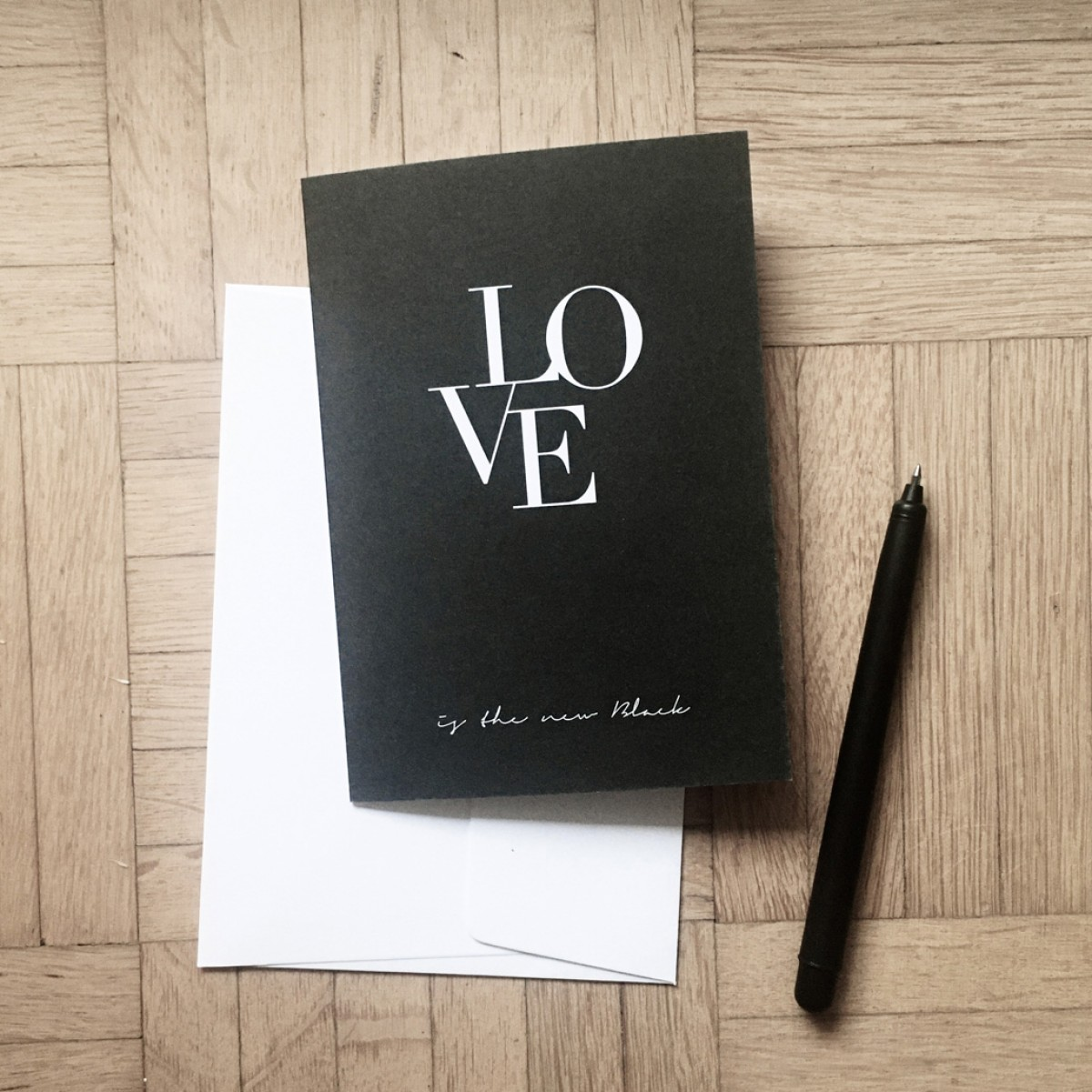 "Love is the new black – Grußkarte ""Ligatur"""