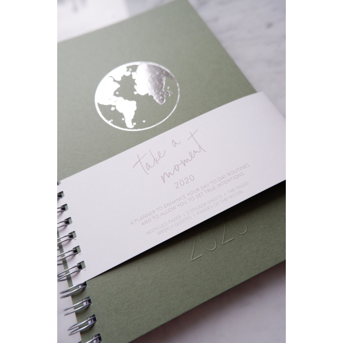 GREEN EARTH - A5 PLANER MIT STICKER- 2020 - Anna Cosma