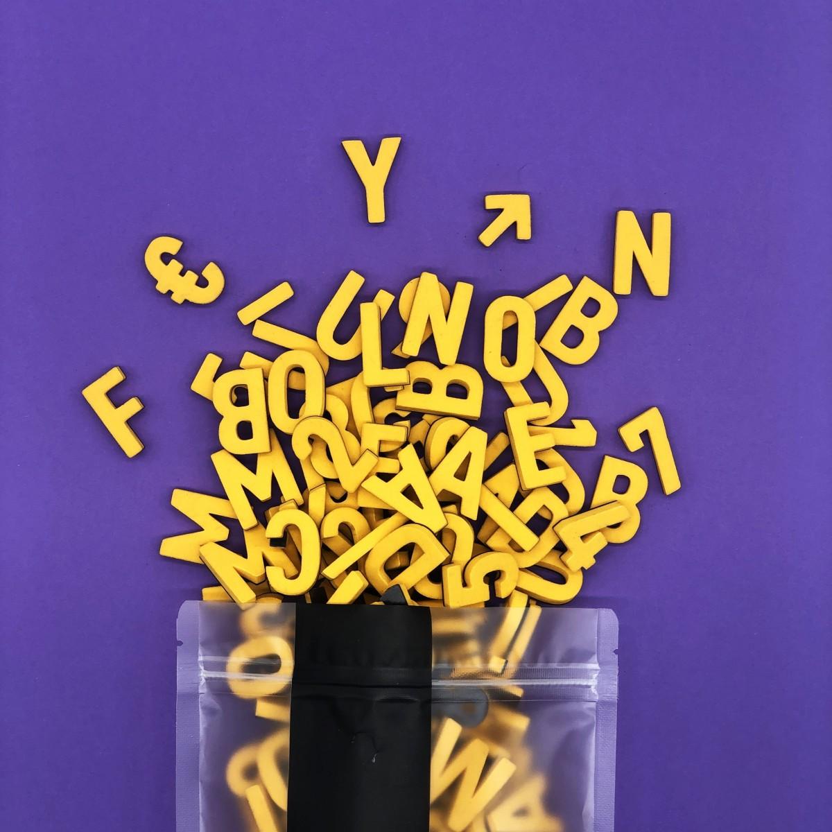 Set mit 200 Magnetbuchstaben, Zahlen & Sonderzeichen. GAGA GELB!