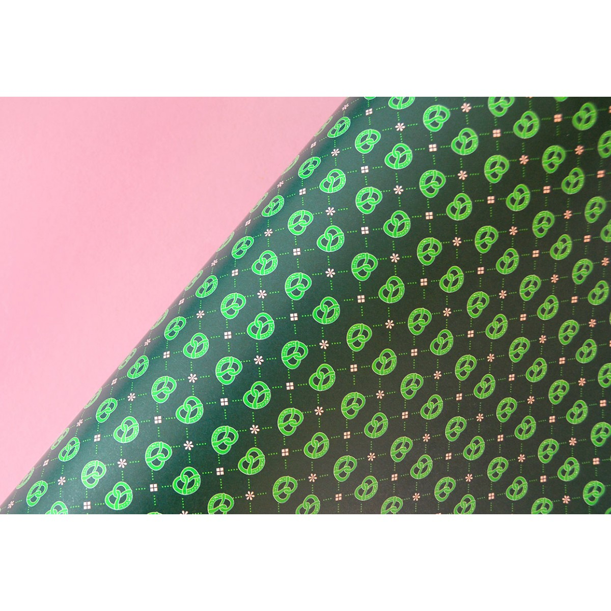 Geschenkpapier BREZEN waldgrün // 3 Bögen