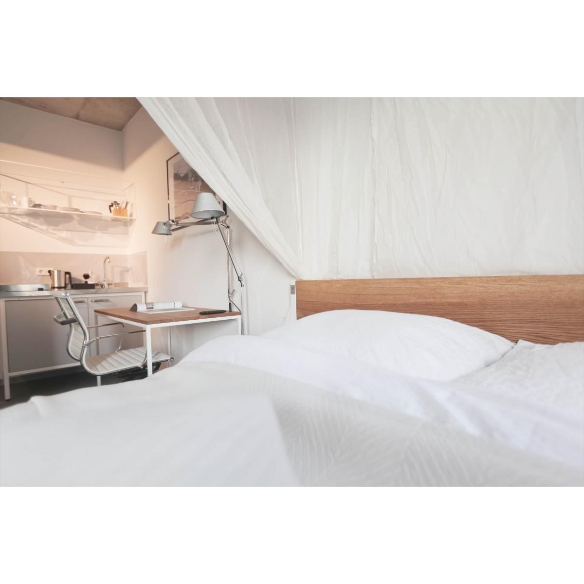B18 - Designbett aus Massivholz und Stahl - Loft