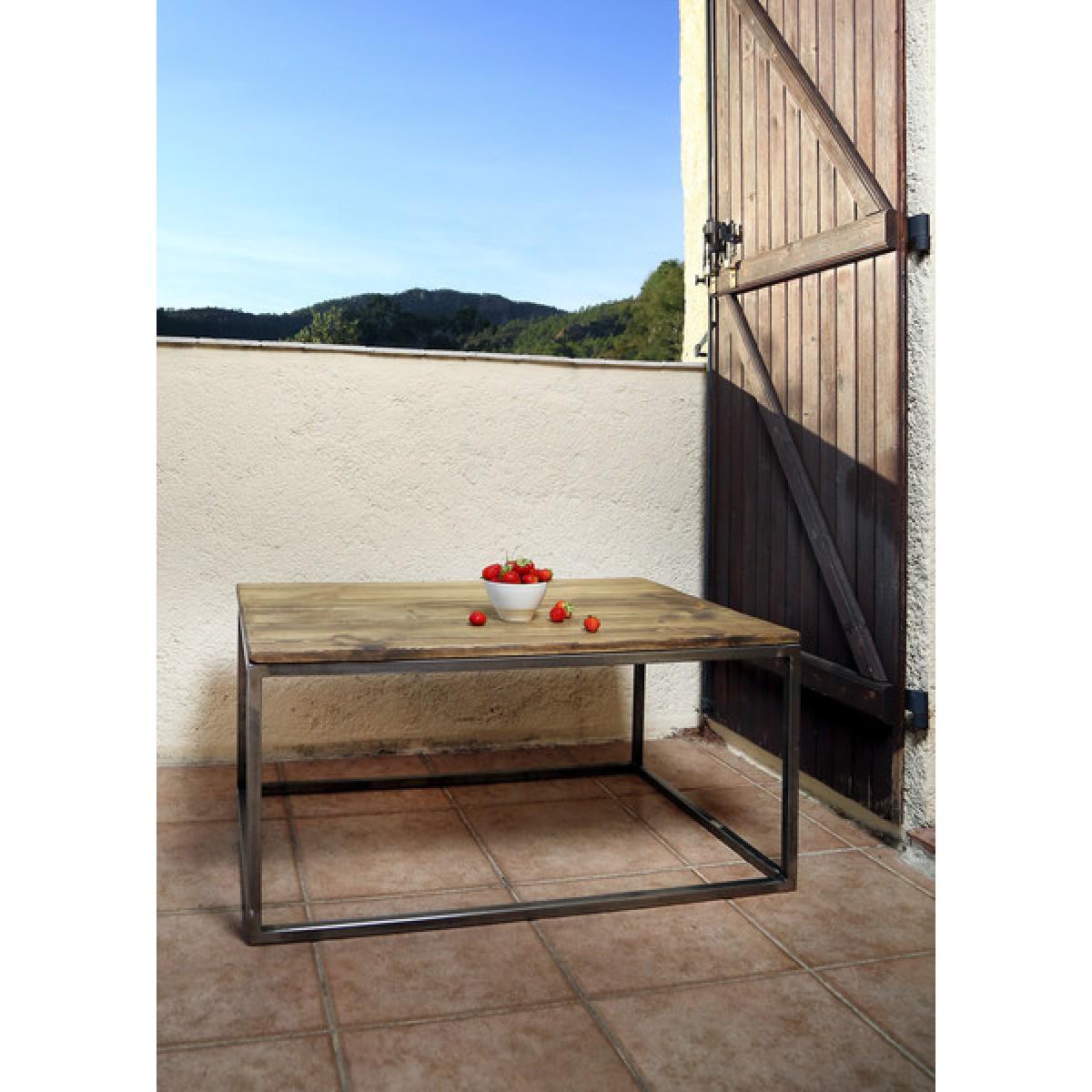 FraaiBerlin – Couchtisch aus Bauholz und Eisen Harjet