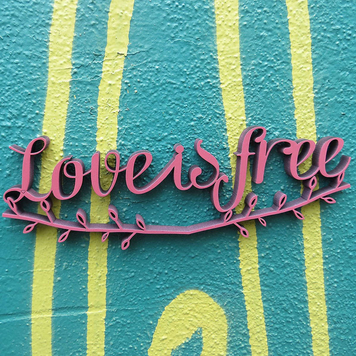 Love is free - Holzschrift - 3D