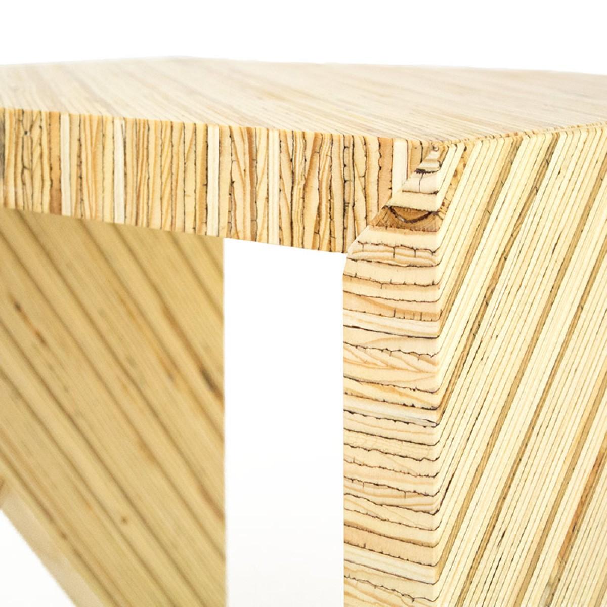 HoNO 1 - Hocker aus Funiersperrholzresten