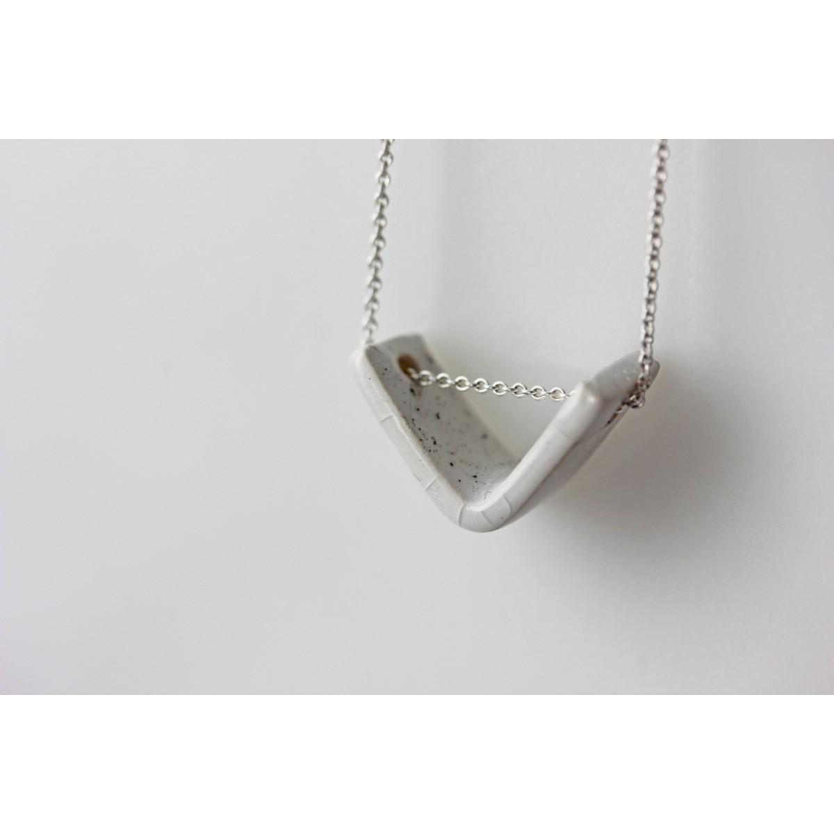 Skelini - Handgemachte Porzellan Kette weiß Dreieck