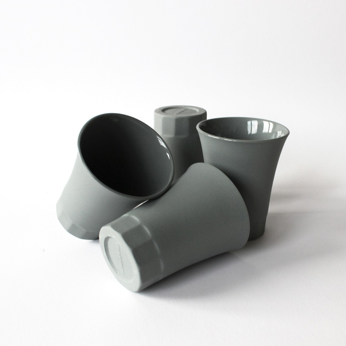 Matt Porzellan Becher für Wein und Wasser, Moderner Becher aus der italienischen POSITANO kollektion