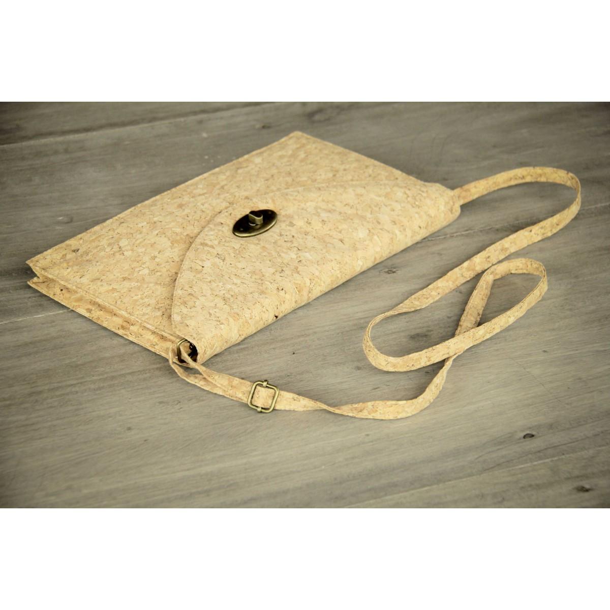 Kork Handtasche, praktische Umhängetasche, vegane Clutch aus Kork BY COPALA