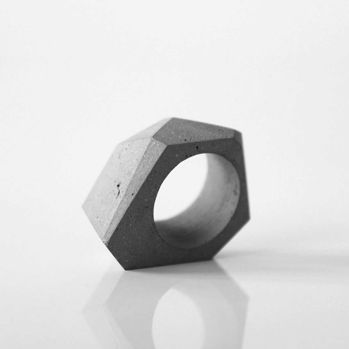 Beton Ring TTSF, Beton Schmuck, moderner Ring, moderner Schmuck by ORTOGONALE