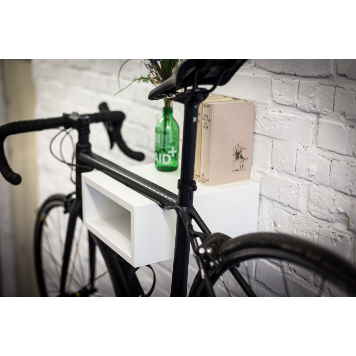 OSKAR | Fahrrad Wandhalterung aus Holz | Fahrradwandhalter