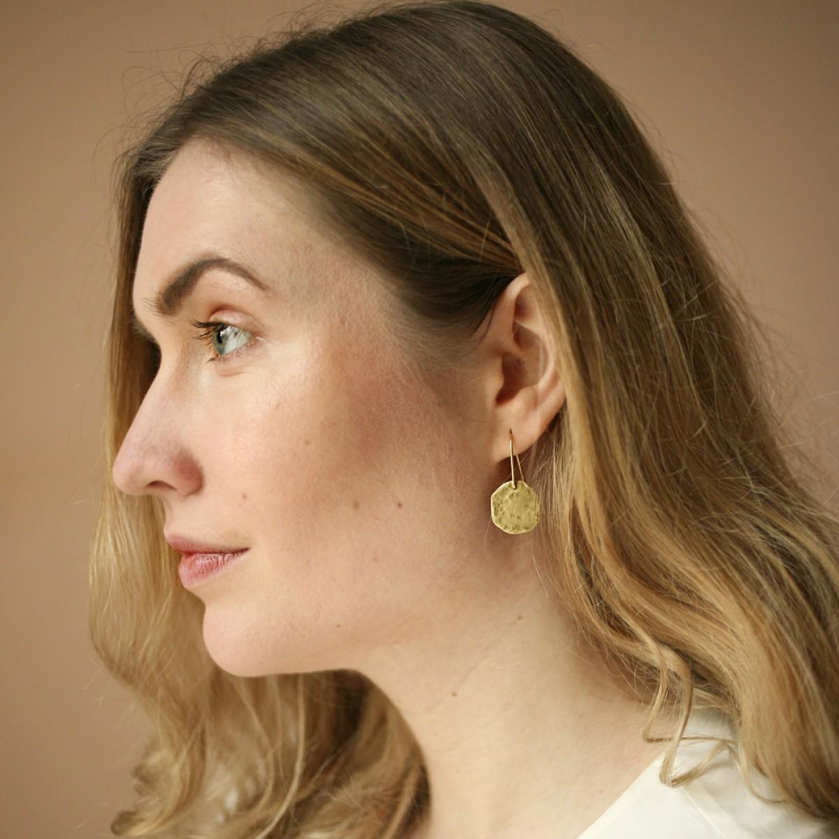 Gudbling // Gehämmerte Messing Ohrringe in Kreisform