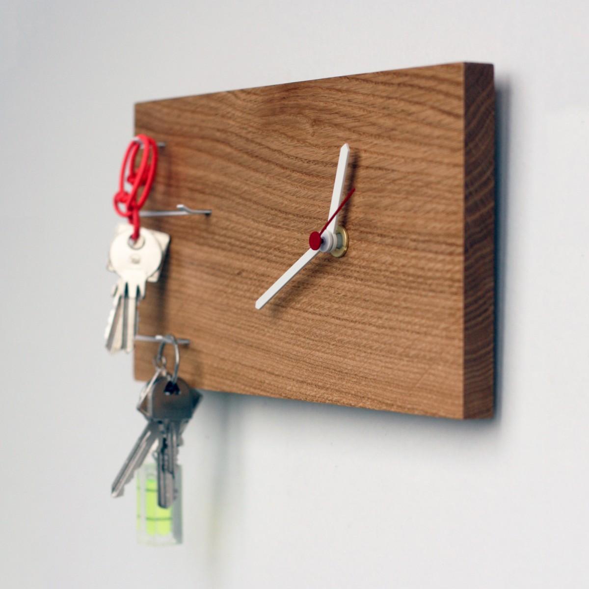 NOVA Schlüsselbrett mit Uhr
