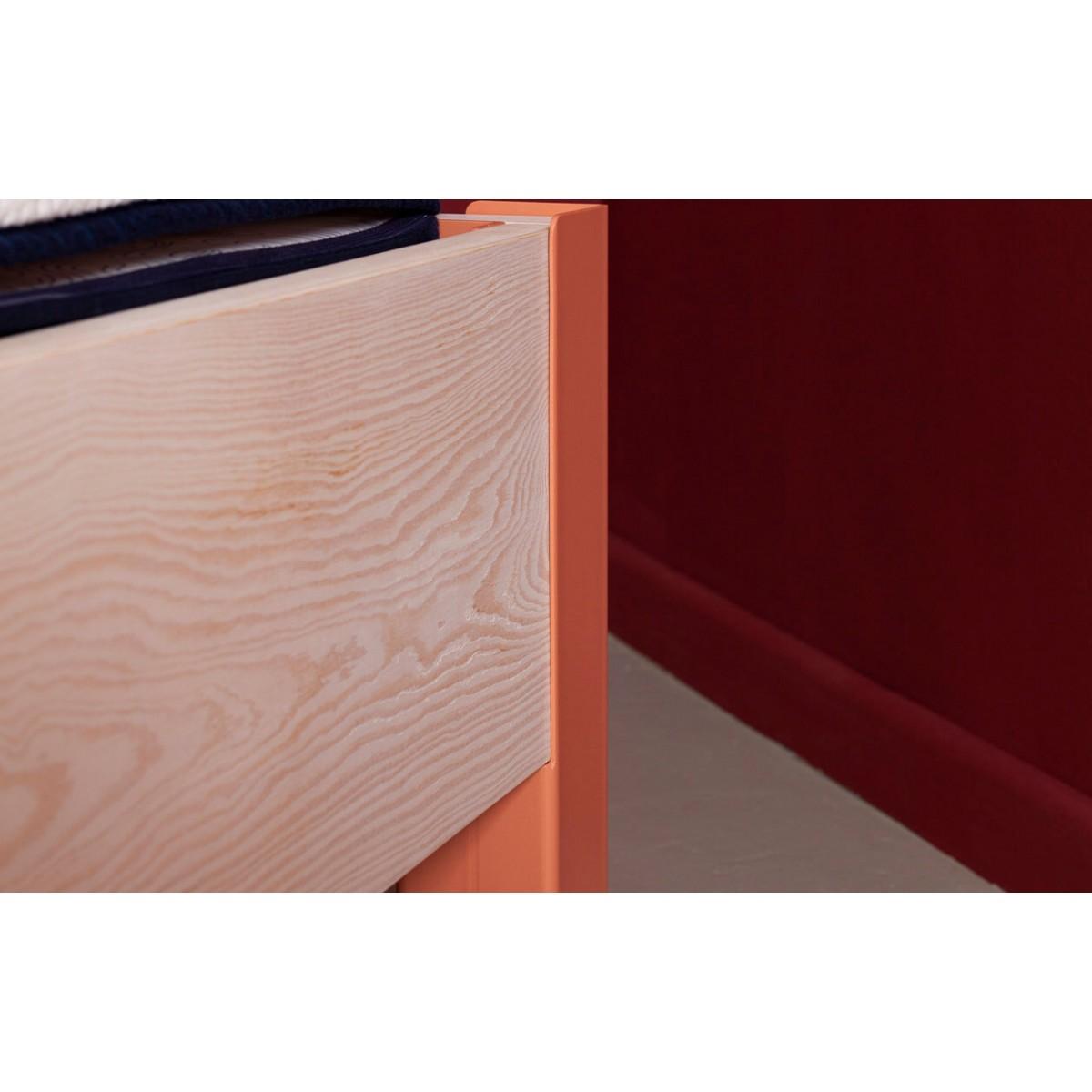 JOHANENLIES | Bett aus recyceltem Bauholz und Stahl | SIGONSE