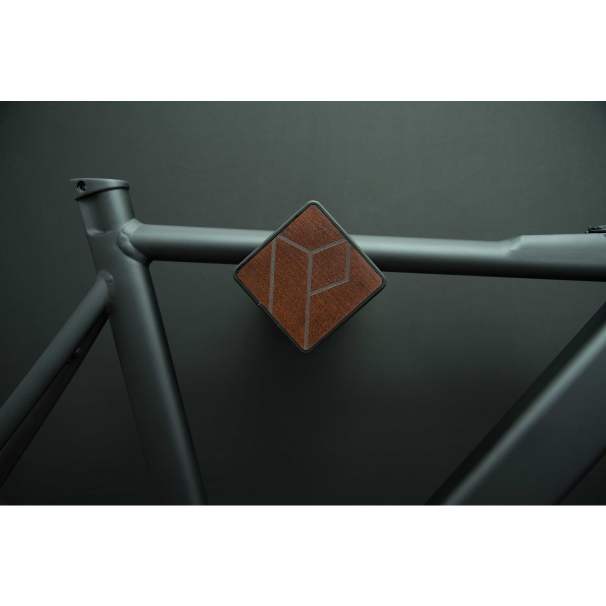 Stilvolle Design Fahrrad Wandhalterung | PARAX® D-RACK | für Rennrad, Hardtail, Cityrad & Tourenrad | Schwarz mit Kebony Holz