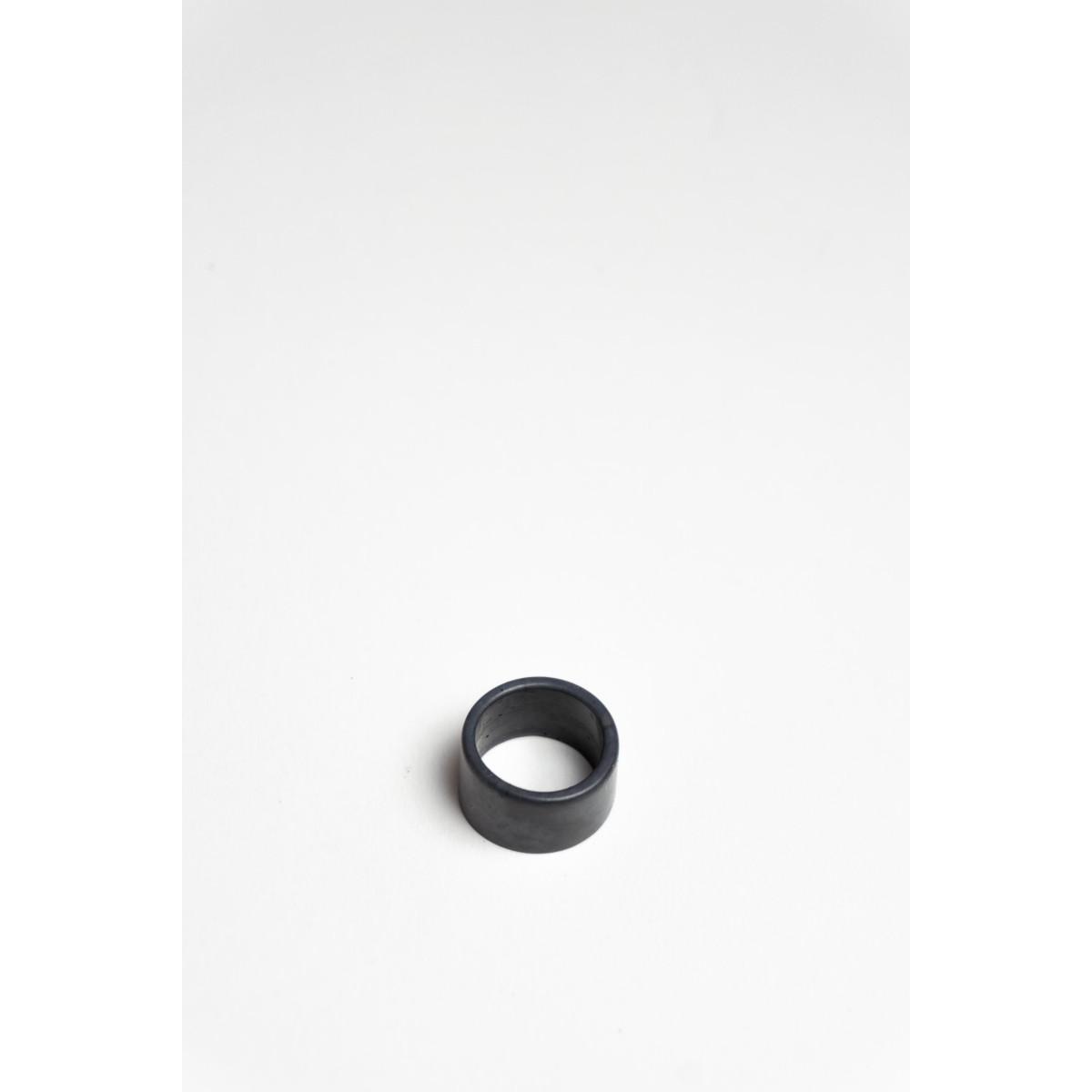 Klunkergrau Betonschmuck | Dunkler Ring aus Beton
