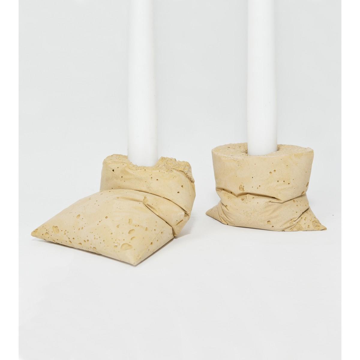lj lamps kappa gelb zwei kerzenst nder aus beton. Black Bedroom Furniture Sets. Home Design Ideas