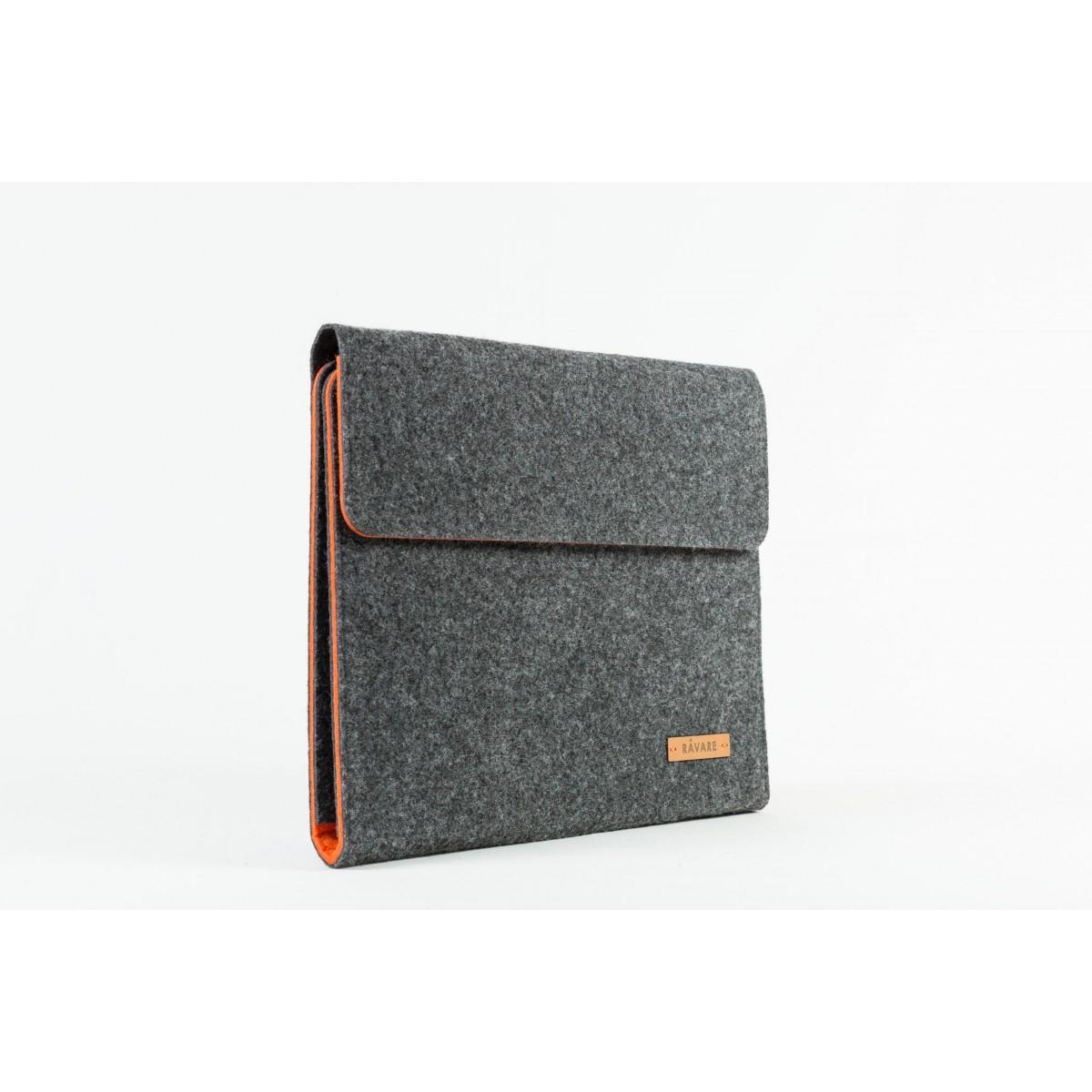 RÅVARE Tablet Organizer für große Tablets ≤12.9″ mit Schreibblock, iPad, Microsoft Surface, Samsung in grau-orange [KORA L]
