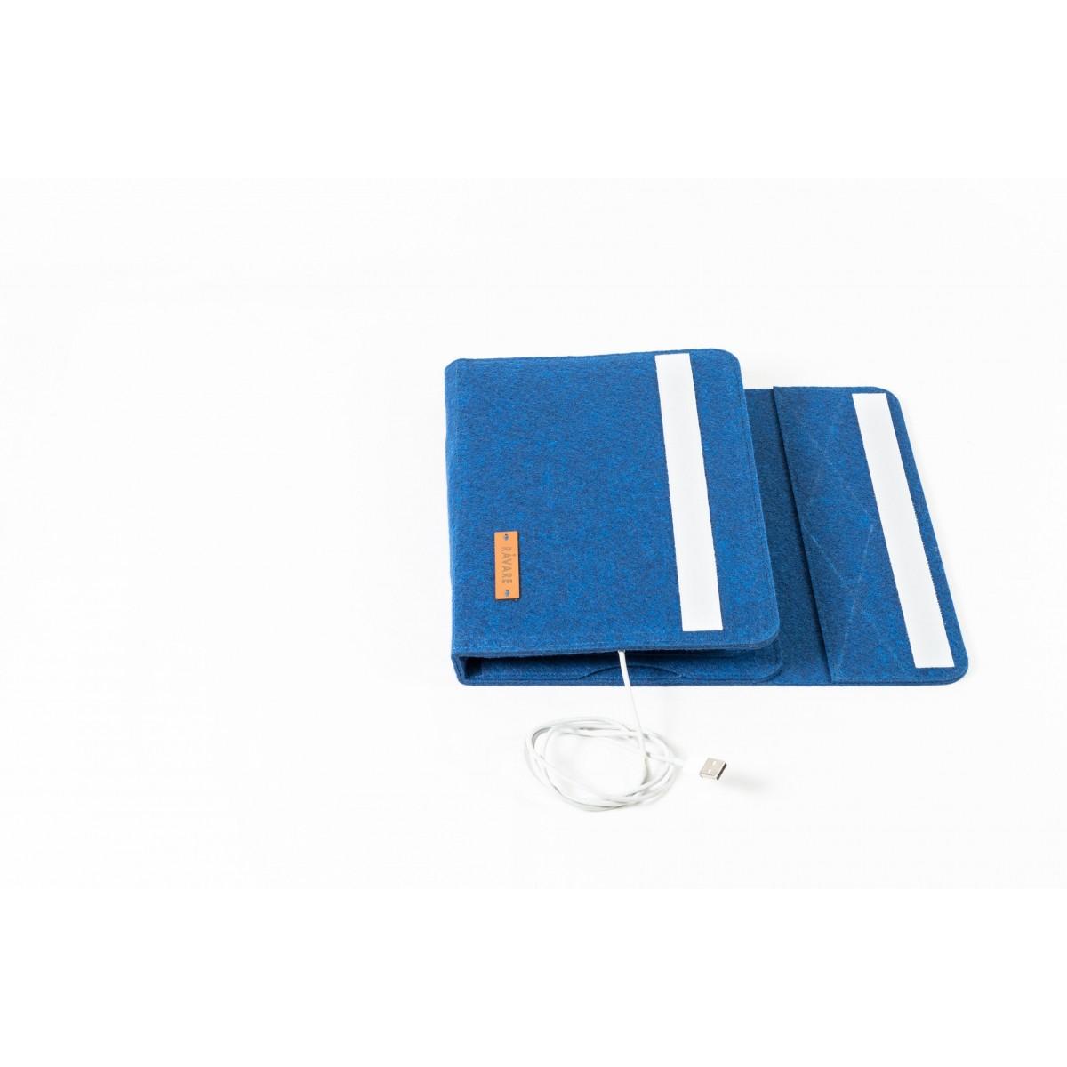 RÅVARE Tablet Organizer für kleine und mittlere Tablets ≤10.1″ mit vielen Stecklaschen, iPad, Samsung in blau [KOCO M]
